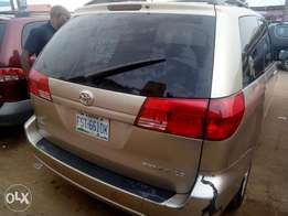 Used Toyota Sienna 2005 for sale