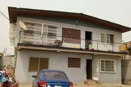 Decent 3brdroom flat apartment for rent located at Oshodi Mafoluku O'S