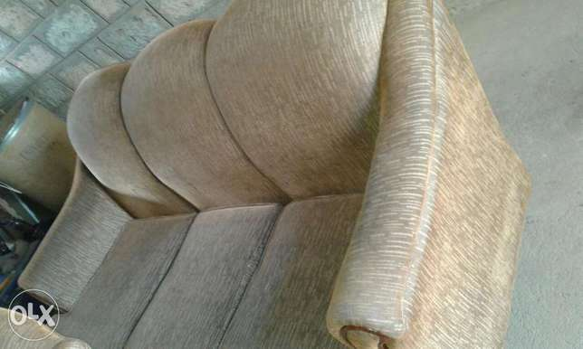 5- seater couch Thika - image 3