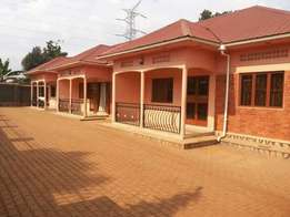 Amazing two bedroom house for rent in mperewre at 450,000=