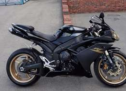 Yamaha R1 STUNNING BIKE !!! a must see ON special !!!