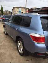 Extremely Clean Toyota Highlander 2010 3 Rows Thumbstart Open Roof