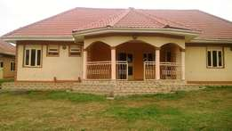 3 Bedrooms standalone house for Rent in Fort portal