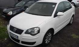Polo Classic 1.6 5 Door Model 2009 Colour White Factory A/C&CD Player