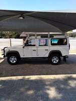 Land Rover defender Puma 110 SW