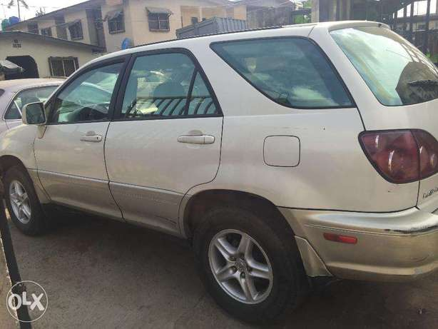 Lexus RX300 first body, clean and just like tokunbo engine Ikeja - image 1