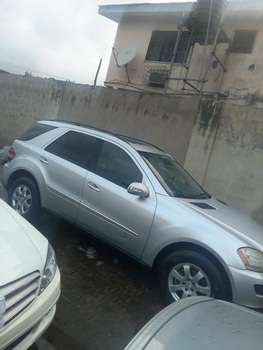 2007 Mercedes Benz Ml350 4Matic Up 4Sale Lagos Mainland - image 6