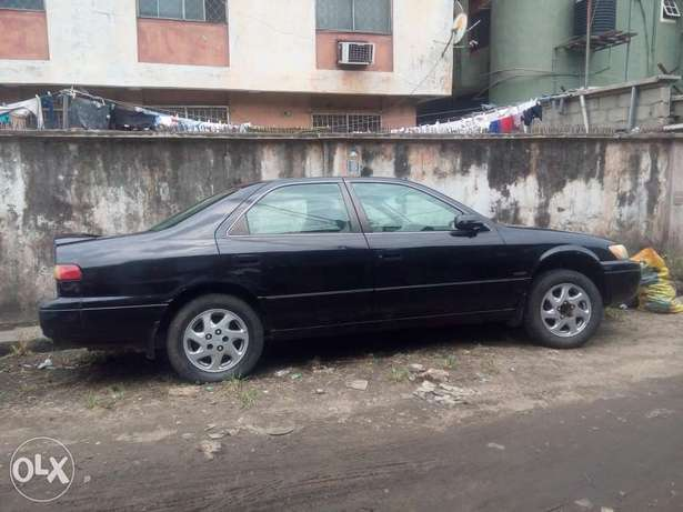 Used clean toyota camry V6 for sell buy and drive Apapa - image 3