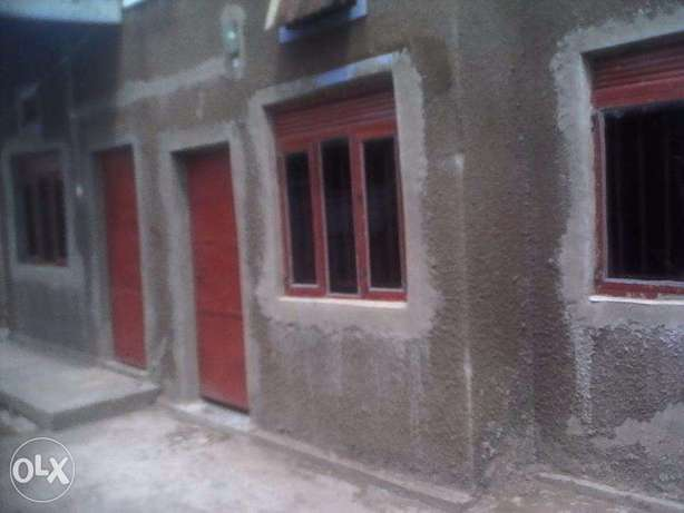 business house for rent in iganga district Uganda on main street Iganga - image 4