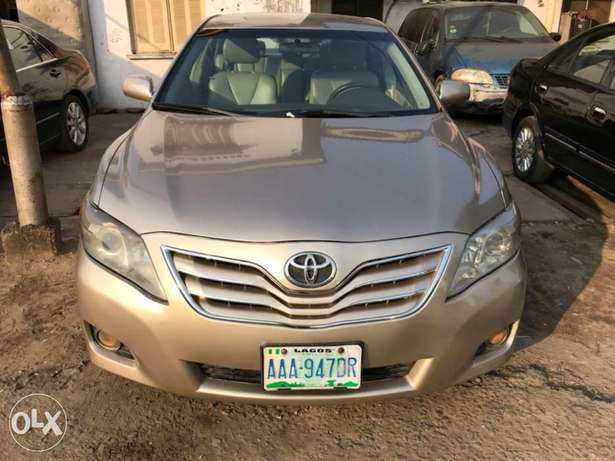 Registered 2007 Toyota Camry (Leather seats,upgraded 2011 kit) 1.98M Surulere - image 1
