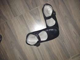 Slightly used girls school shoes size 12 for sale