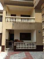 Executive massive 3Bedroom near dinners hotel Lasu Iba road To Let