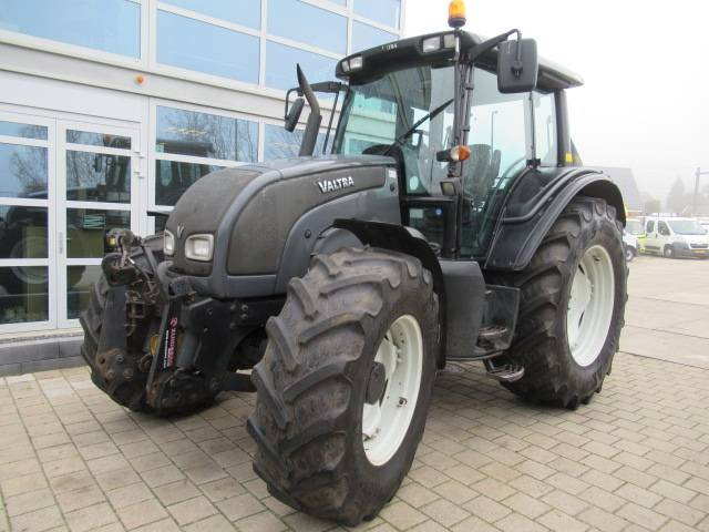 Valtra N121 LS AC11 2 4x4 Front PTO + Hef - 2009