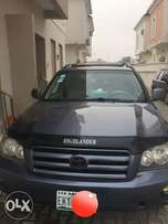 Extremely clean V6 Toyota highlander 4WD, chilling AC, 2003model.