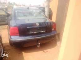 Super Clean Tokunbo Volkswagen Passat 2002 model SE