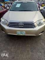 Register Toyota Highlander 2009 firstbody Accident free buy and drive