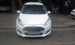 Ford fiesta ecobost 2015  1.2 white in color 41000km R155000