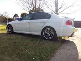 2011 Bmw 323i Auto M Sport only 53 000km, Excellent Condition