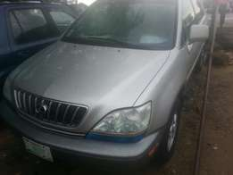 Perfectly used lexus rx300 02 first body tincan cleared