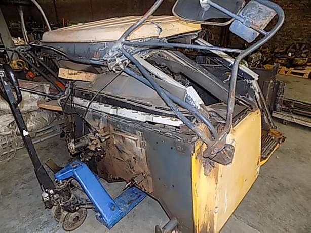 Bell B30D Cab Stripping for Spares Memel - image 8