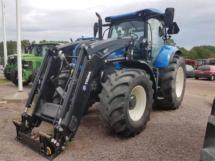 New Holland T7.225 Traktor Fr.lyft - 2017