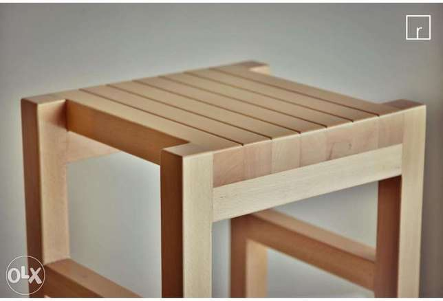 Hand made wood table (1$=1500 LBP)