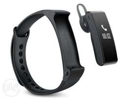 2in1 Smart wrist watch + Bluetooth Earpiece with OLED display: 4500ksh