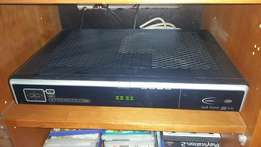 DSTV Pace HD PVR - 4 tuner, SD decoder and remote blaster