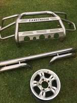 Front- and rear stainless steel bumpers for Land Cruiser, and 5 x rims