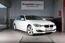 2013 Bmw 320i Luxury Line A/T (F30)