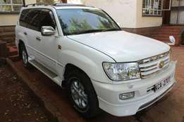 Toyota Land Cruiser V8, very clean