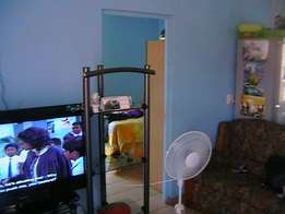 phoenix - cosy outhouse. 2 large rooms ensuite, kitchen R2500pm +lites