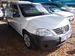 Nissan NP 200 1.6 A/C with Canopy, in Excellent Condition! Like New!