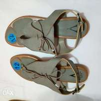 Ladies grey sandals