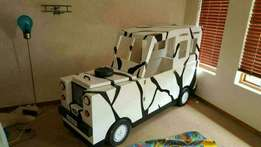 Land Rover kids bed