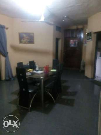 3 bedroom flat at chief natufe off bodethomas ,800k 1 y Surulere - image 3