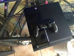 500gb PS4 with Fifa 16 for sale. Console is in great condition
