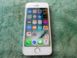 iPhone SE silver for R3,300