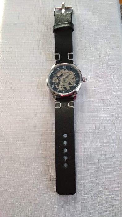 Zegarek na zegarek Girard Perregaux kocham też randki