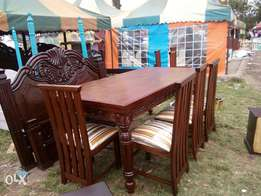 Dinning table with 8 chairs for 65000