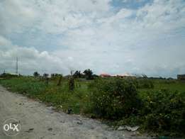 4187sqm corner piece bear Land for sales in a strategic environment.
