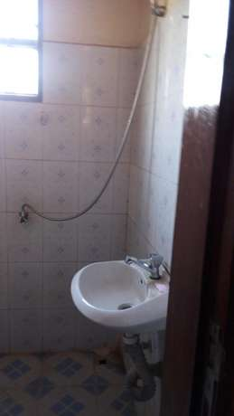Flat Double at luzira stage six with kitchen en sitting toilet inside Kampala - image 2