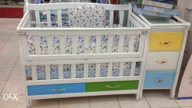 Classy and unique cots with matress Umoja - image 1
