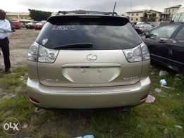 Tokunbo rx 330 Lexus jeep for sale accident free