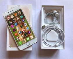 Brand new Apple iPhone 7 plus 128gig Gold open to all networks R7500