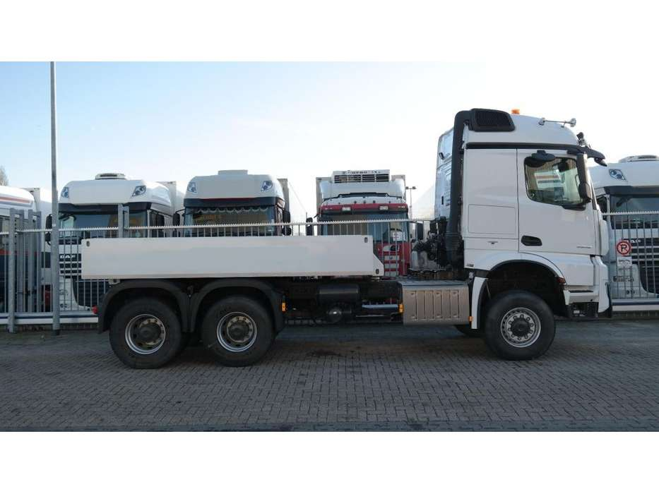 Mercedes-Benz AROCS 3352 180 tons push and pull HEAVY DUTY 6X6 EURO 6 9... - 2016 - image 4