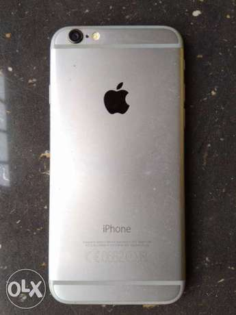 Very Clean Iphone 6 -64GB ( like brand new) with Original USB cable Benin City - image 3