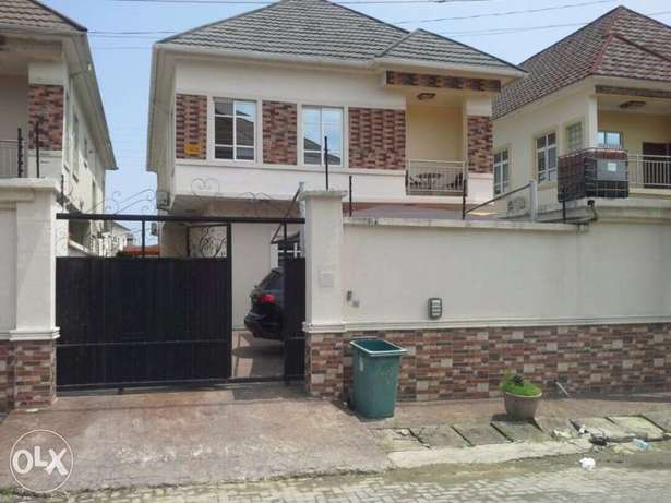 Fully furnished 4bedroom duplex with BQ to let in Chevy view Estate Lekki - image 1