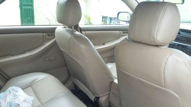 super clean Toyota corolla 2004 model first body leather interior Ayobo/Ipaja - image 3