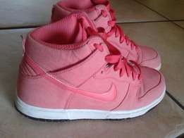 Nike Drunk Size UK6